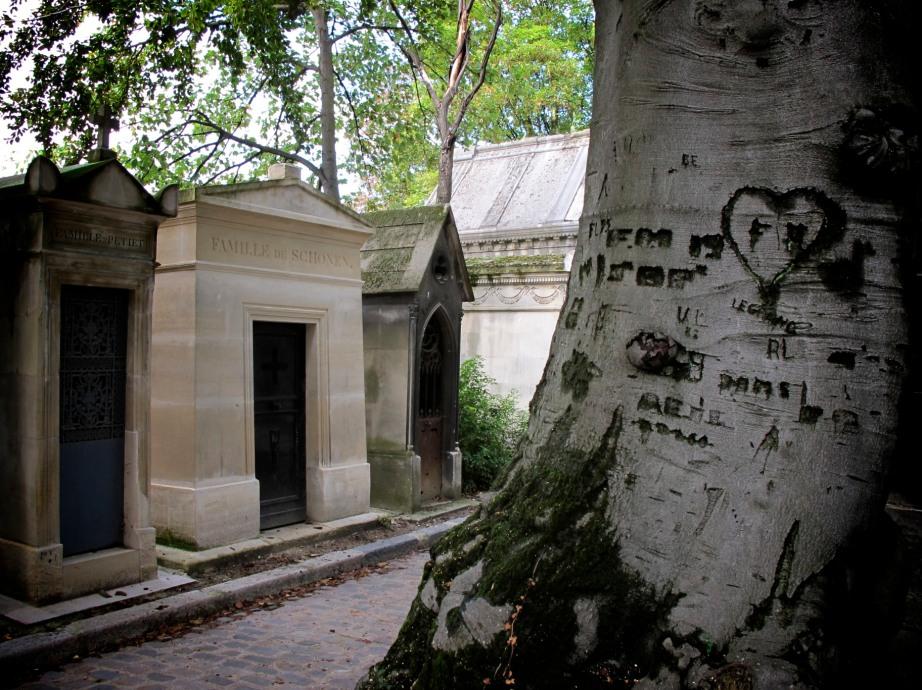 Père-Lachaise Cemetery, Paris  - 2010